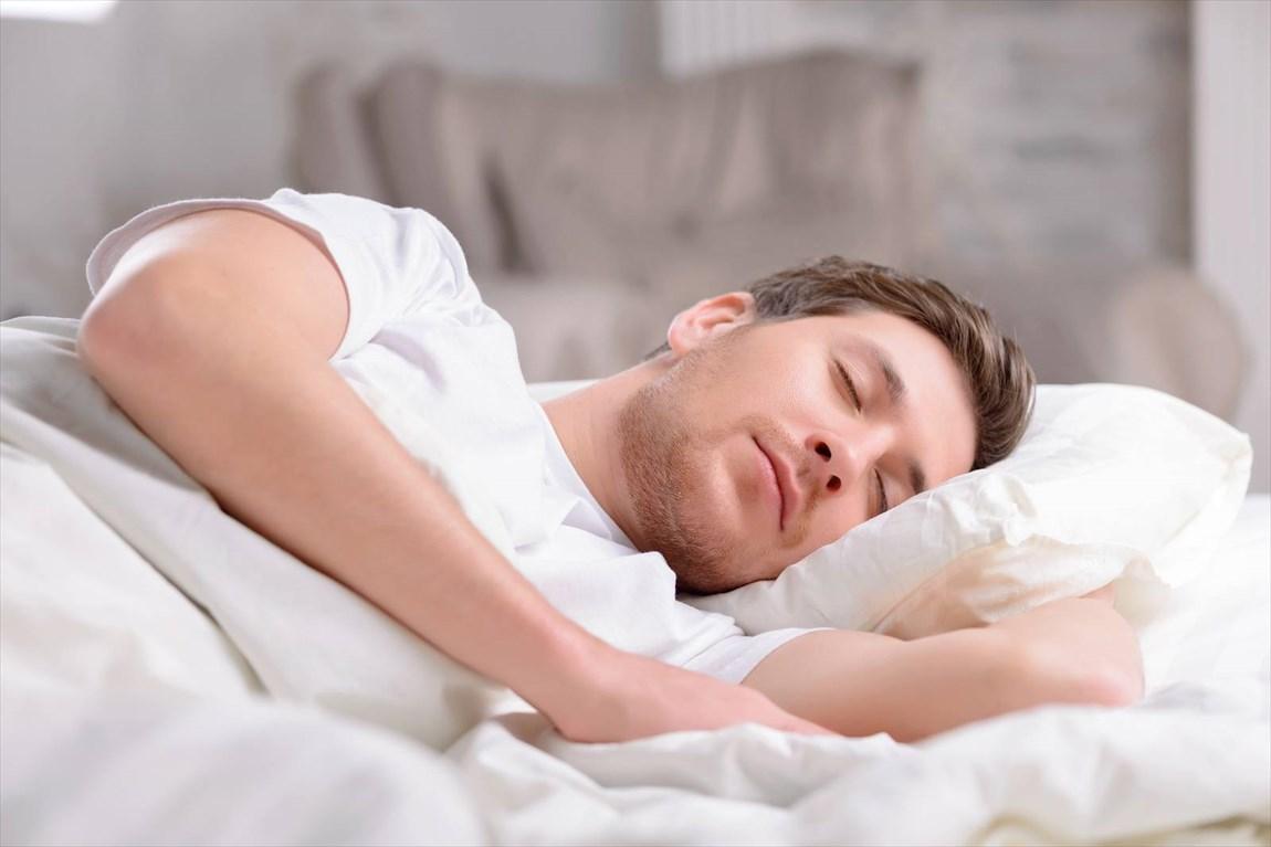 چرا برخی افراد بیش از حد میخوابند؟