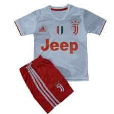 ست تی شرت و شلوارک ورزشی پسرانه طرح یوونتوس کد C H 07            غیر اصل
