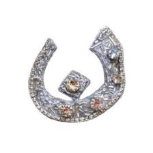 گل سینه زنانه مدل حروف فارسی